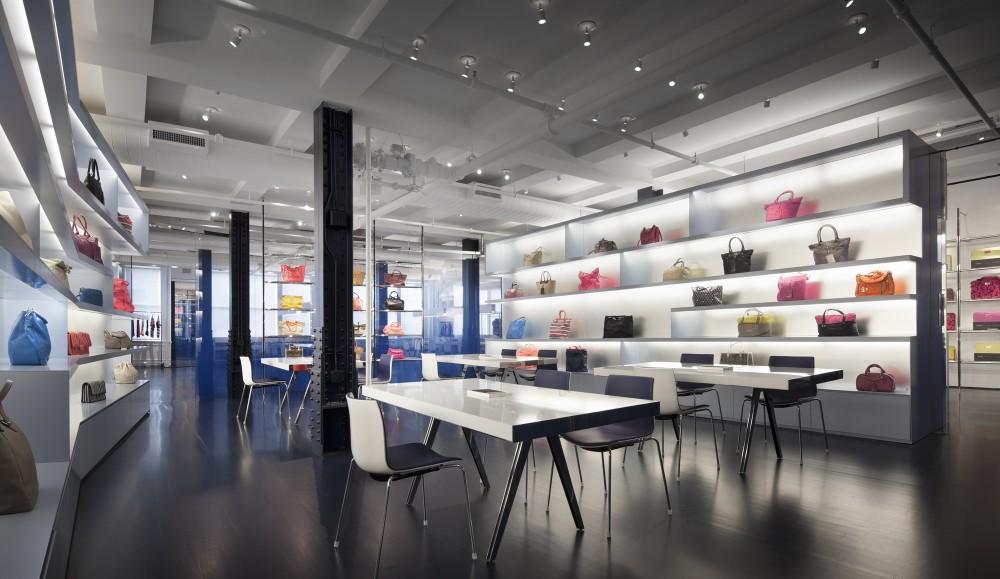 Thiết kế thi công showroom bạn phải cần gì?