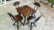Bàn ghế cafe phong cách vintage