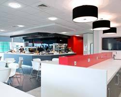 Sử dụng mẫu đèn cà phê phong cách văn phòng đẹp, sáng tạo