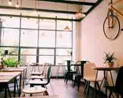 Khám phá nét độc đáo trong mẫu bàn ghế cafe phong cách trẻ