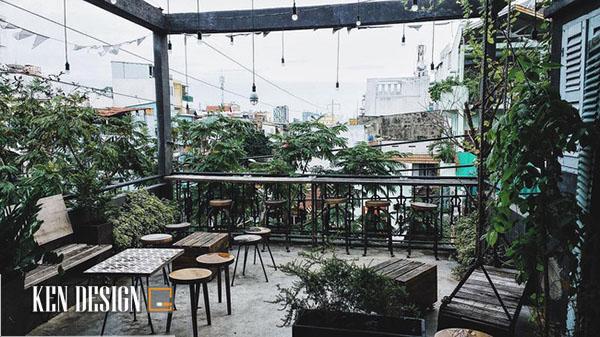 03 Quán cafe Sài Gòn với ban công mãn nhãn