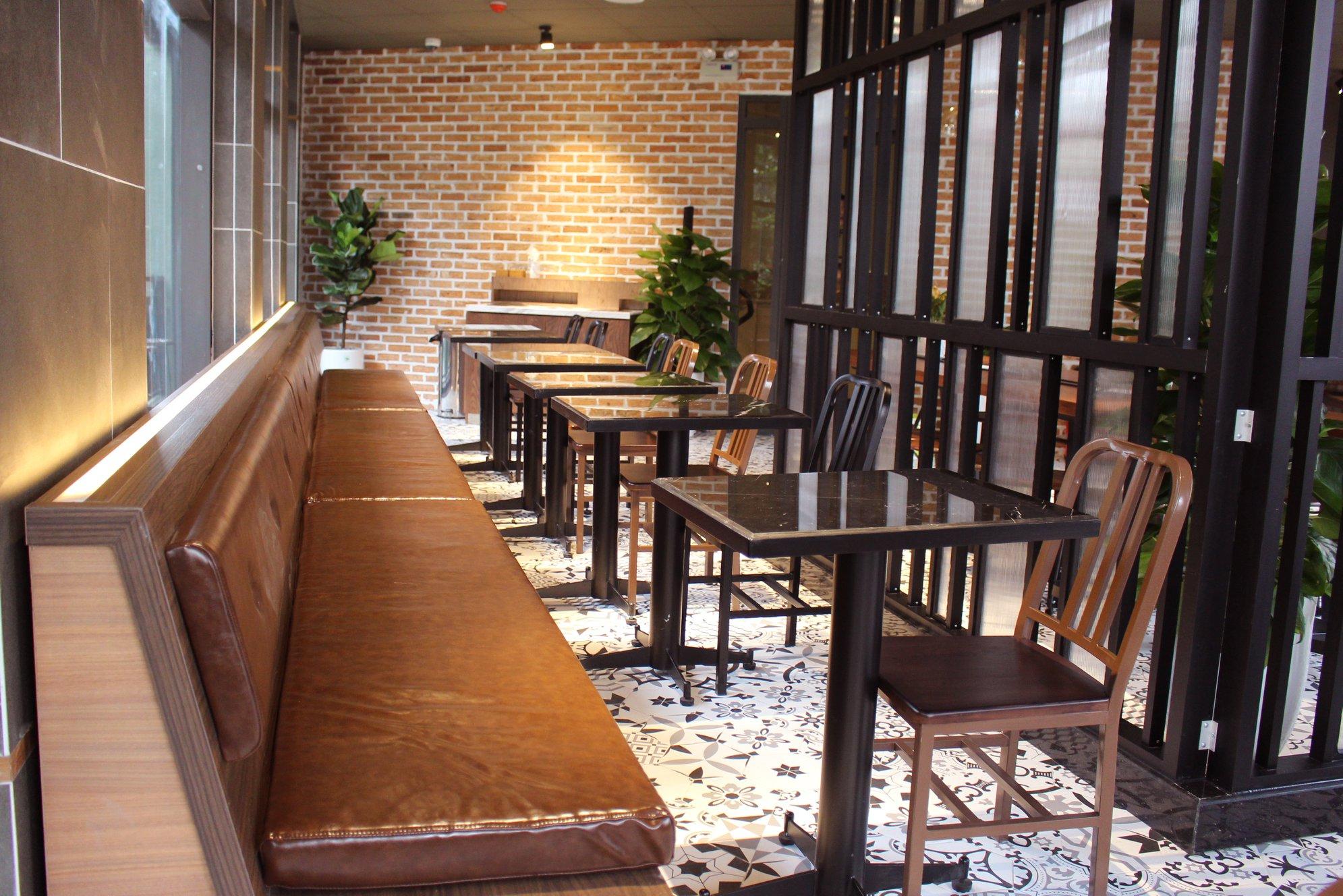 Thiết kế bàn ghế độc đáo của các quán Phúc Long Coffee & Tea