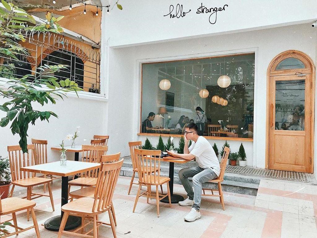 mẫu thiết kế quán cafe phong cách Hàn Quốc Hello Stranger